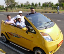 Toni Saraiva and fellow MBA students at the Tata Nano factory