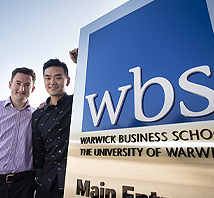 Distance Learning MBAs Reunite at Warwick Week
